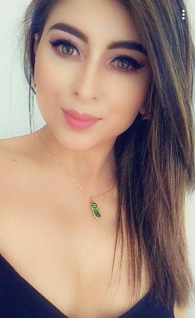 Carla Hudson - Escort Girl from Naperville Illinois