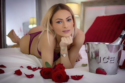 Shirley Lees - Escort Girl from New Haven Connecticut