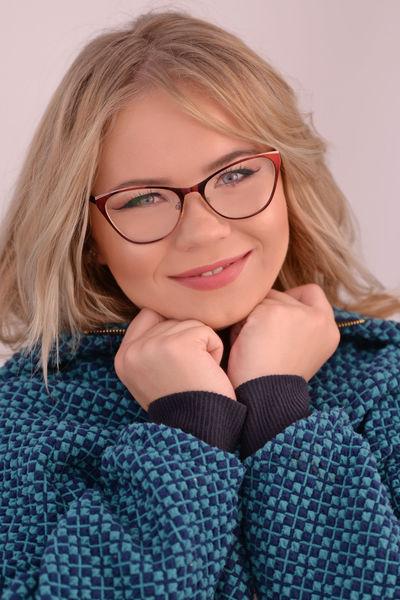Lindsay Christensen - Escort Girl from New Haven Connecticut