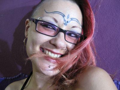 Linda Daemon X - Escort Girl from Riverside California