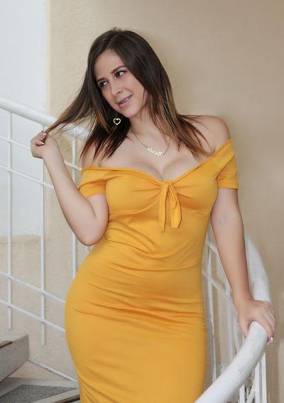 Sarah Gossett - Escort Girl from Naperville Illinois