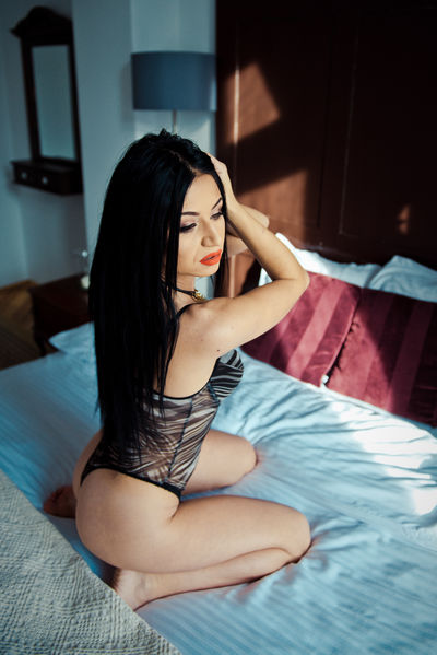 Nicolle Vibee - Escort Girl from New Haven Connecticut