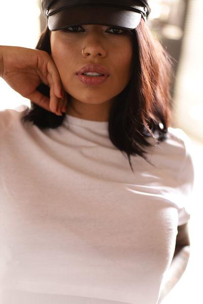 Katherine Mendieta - Escort Girl from Naperville Illinois