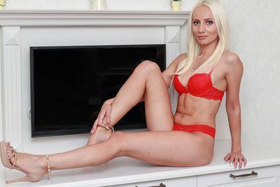 Cati Taner - Escort Girl from Murfreesboro Tennessee