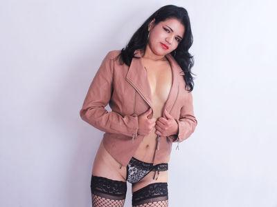 Nicky Mirage - Escort Girl from Naperville Illinois