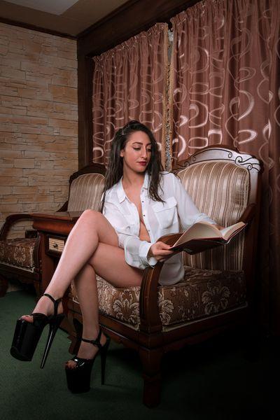 Emily Scarlet - Escort Girl from Newark New Jersey
