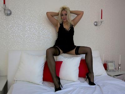Kaya French - Escort Girl from Murrieta California