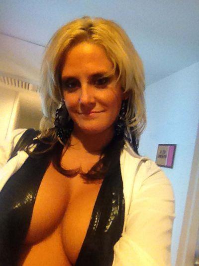 Kendra Maze - Escort Girl from Nashville Tennessee