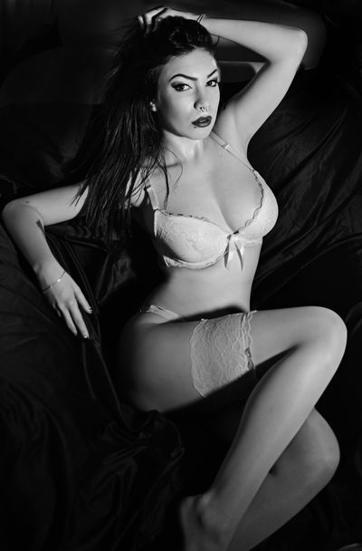 Lee Aby Gaily - Escort Girl from Moreno Valley California