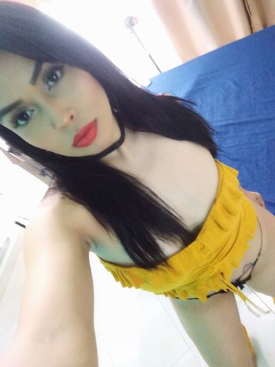 Nikki Maldini - Escort Girl from Moreno Valley California