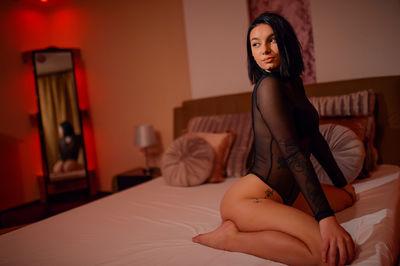 Raisa Reyna - Escort Girl from Naperville Illinois