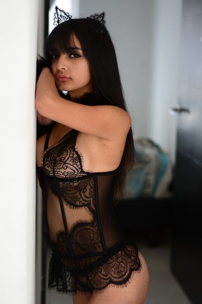Taylor Walker - Escort Girl from Nashville Tennessee